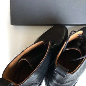 Taft Shoes - Doesn't fit me how I want it to.